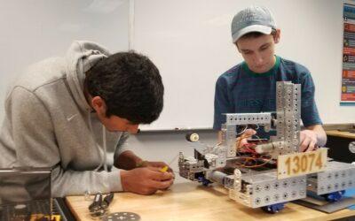 WSA Hawks and Safire Phoenix Robotics Team Practice 'Coopertition'